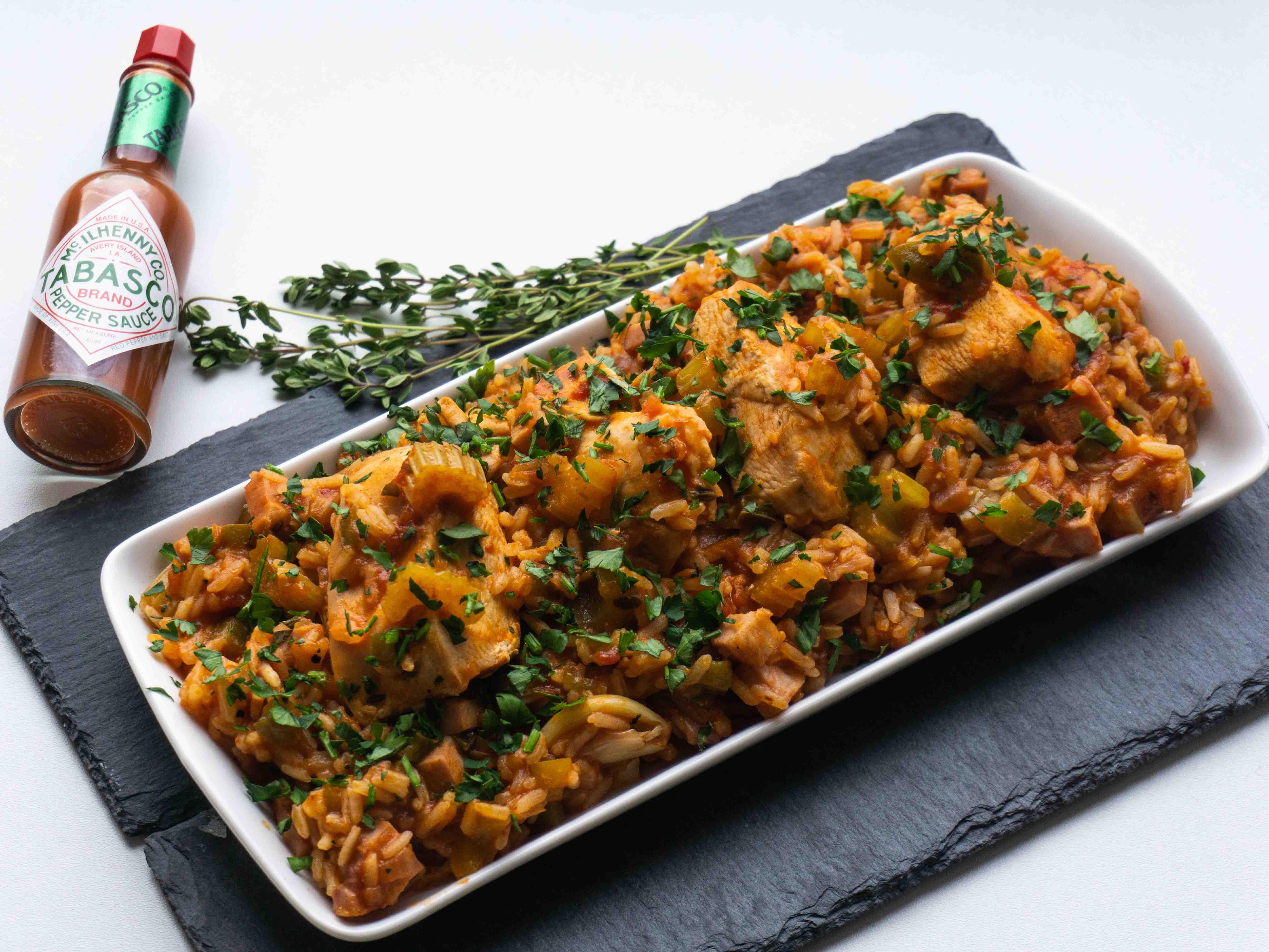 Aitri vištiena su ryžiais ir pomidorais